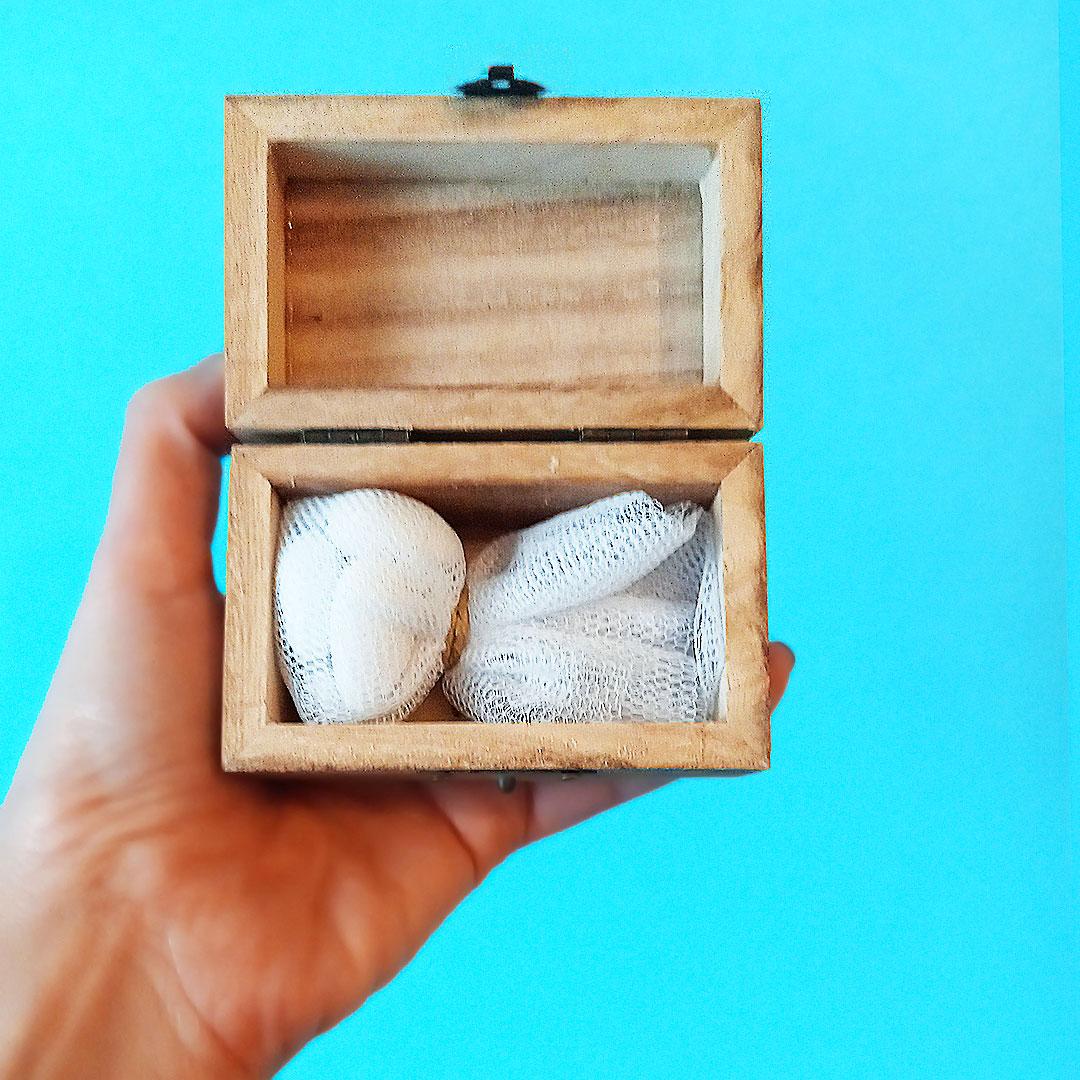 Μπομπονιέρα βάπτισης με ξύλινο κουτάκι για κορίτσια